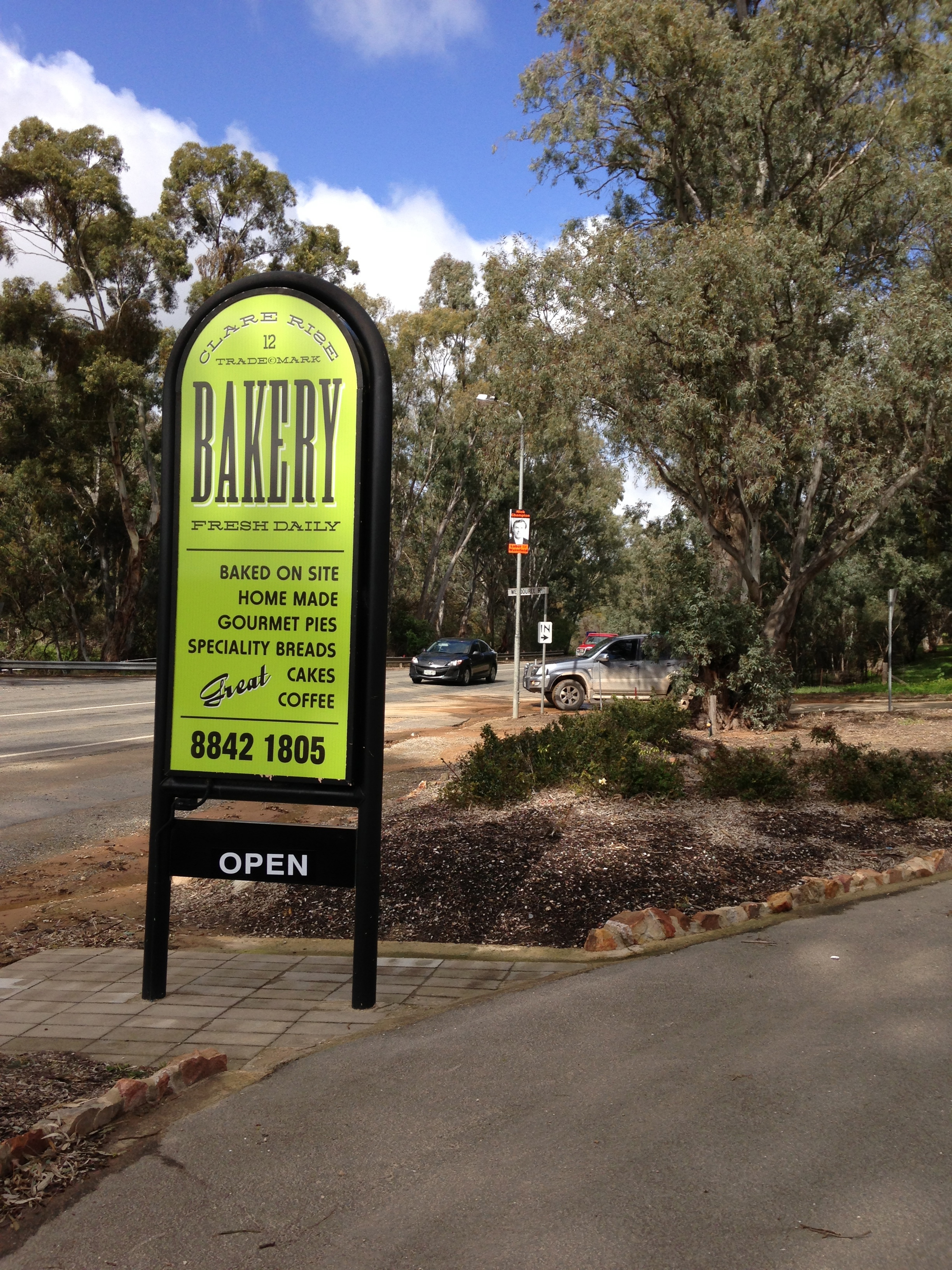 Clare Rise Bakery - signage to stand out